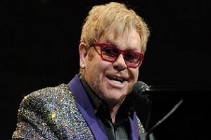 Elton John kórházba került