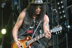 Slash: a zeneipar veszélyes