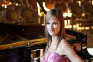 Albán zongoraművésznő koncertsorozata Budapesten