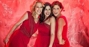 Radics Gigi, Wolf Kati, Oroszlán Szonja – Szív dala (Pirosban A Nőkért)