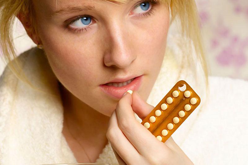 Van-e valódi kapcsolat a fogamzásgátló tabletták és az elhízás között?